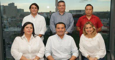 Renán Barrera, alcalde electo, se reúne con regidores electos de las diferentes bancadas partidistas