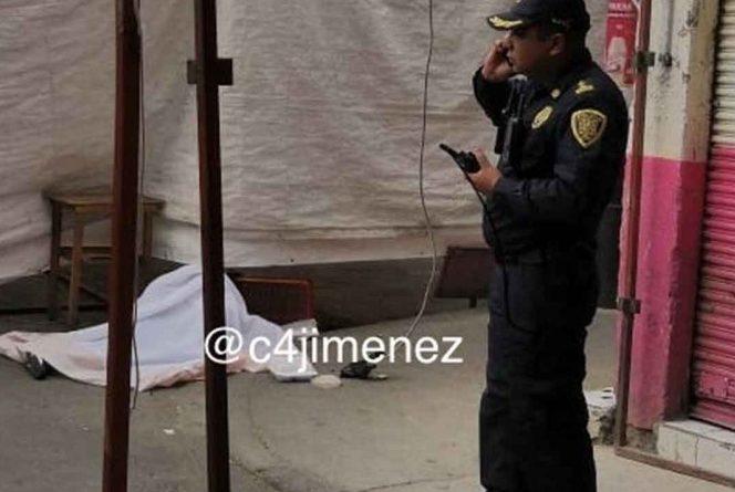 Asesinan a un joven frente  a su madre en Tepito